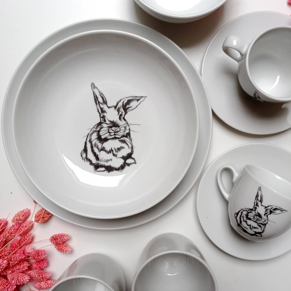 zastawa stołowa z królikiem